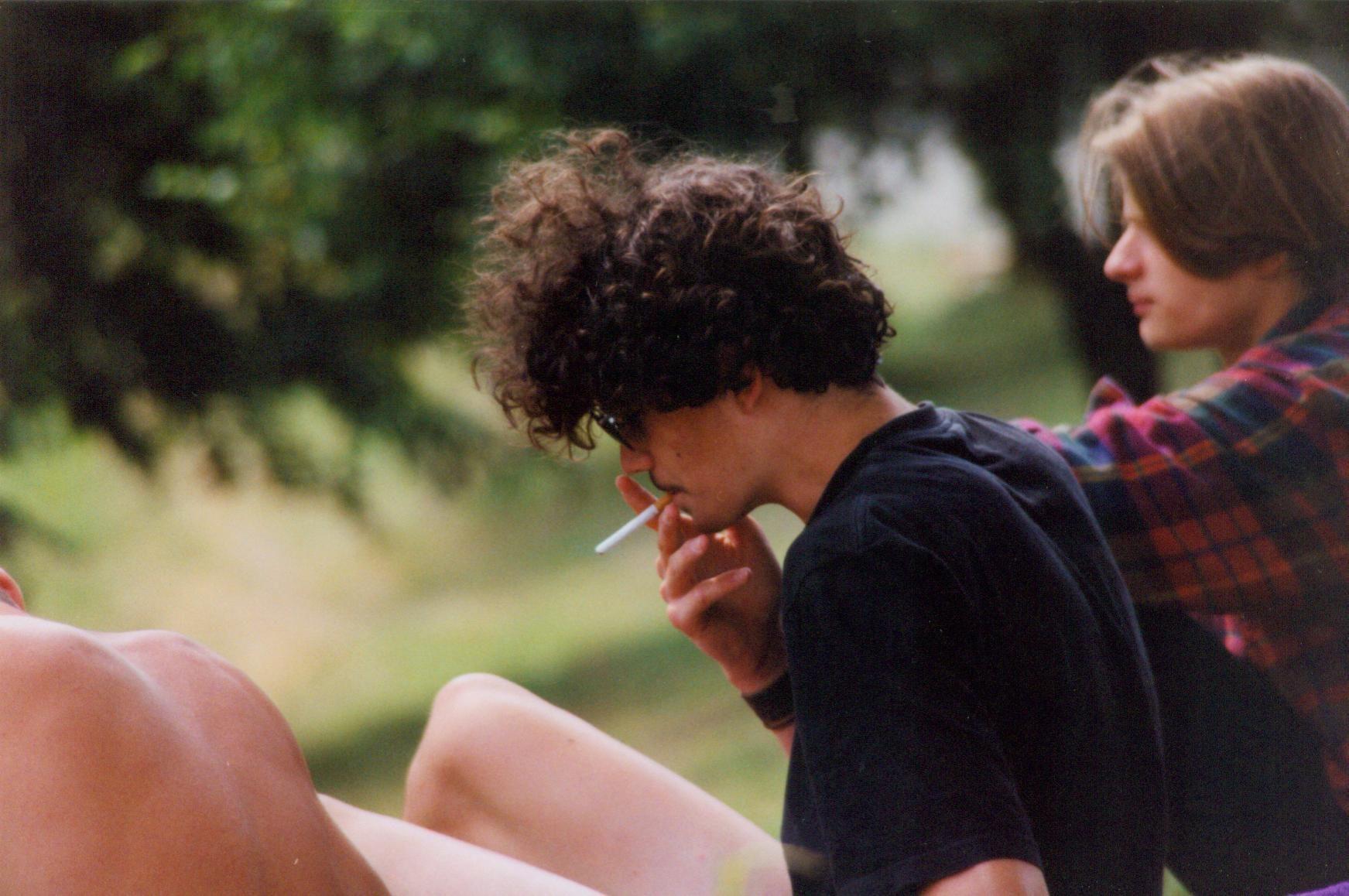 Im Sommer 1995. Mit 17 hat man so manche Flausen im und jede Menge Haare auf dem Kopf.