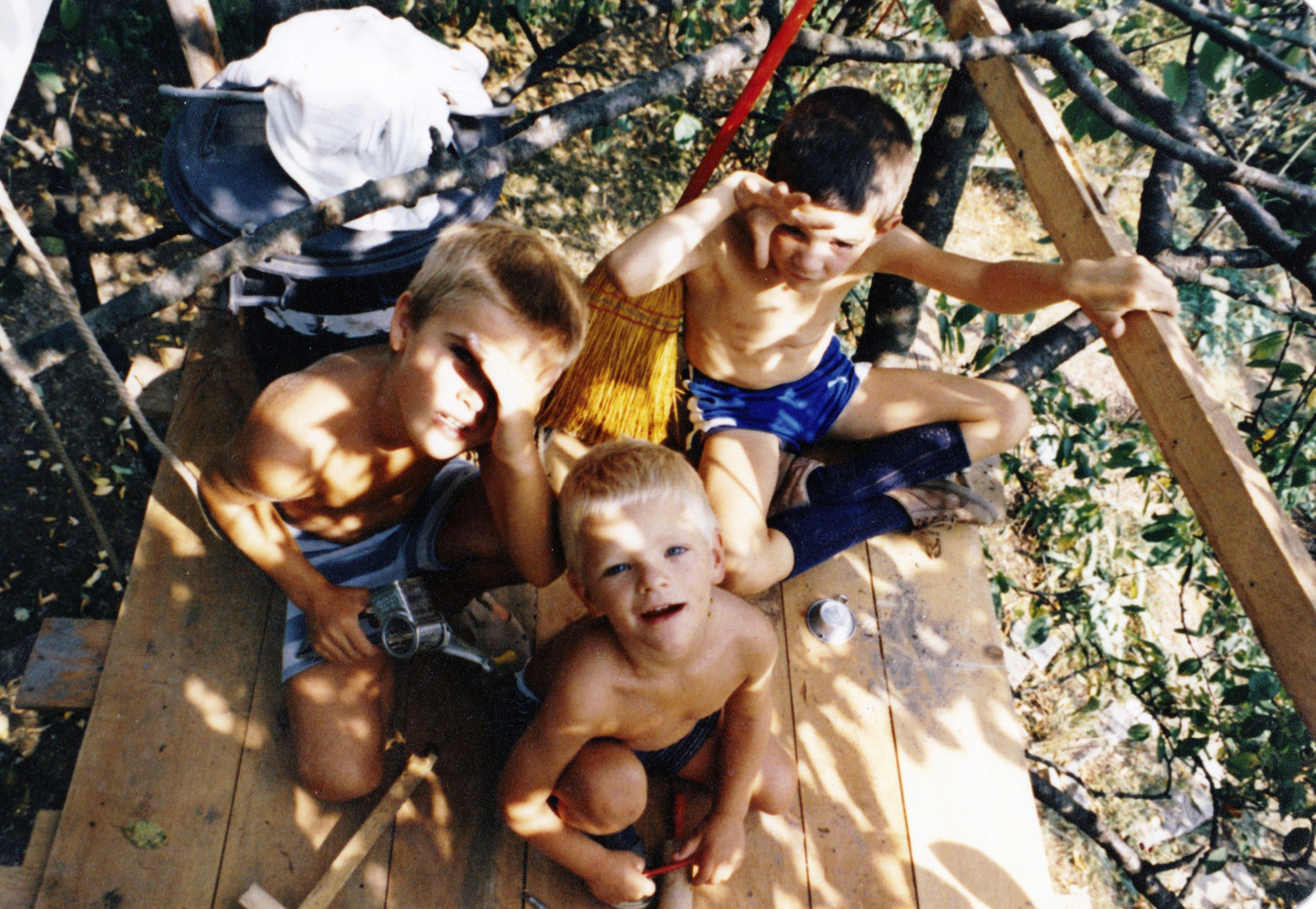 1983 - Michael, Florian und Thilo im Baumhaus in Künzelsau