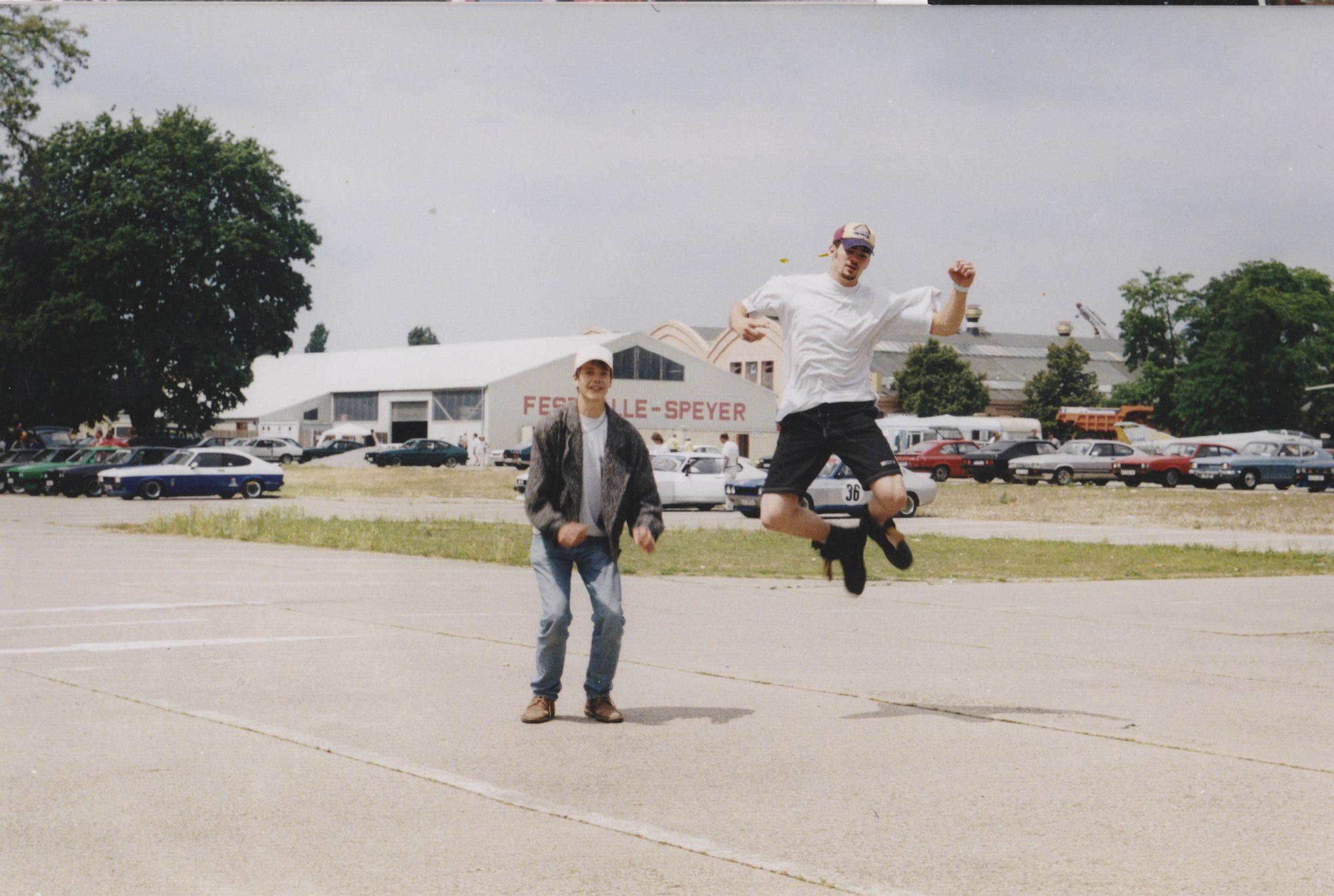Juni 1999 in Speyer. Stefan und Thilo beim Capritreffen.