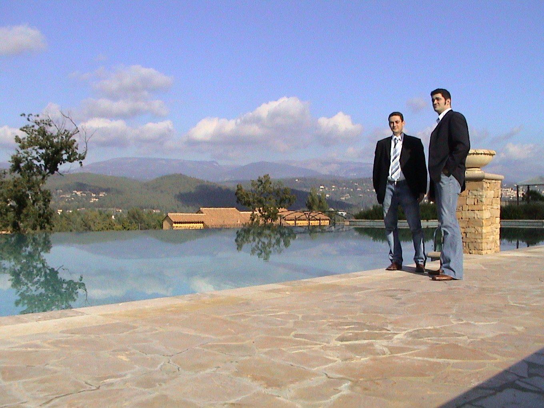 Die Honda Civic Präsentation in Südfrankreich 2005. Simon und Thilo am Pool.