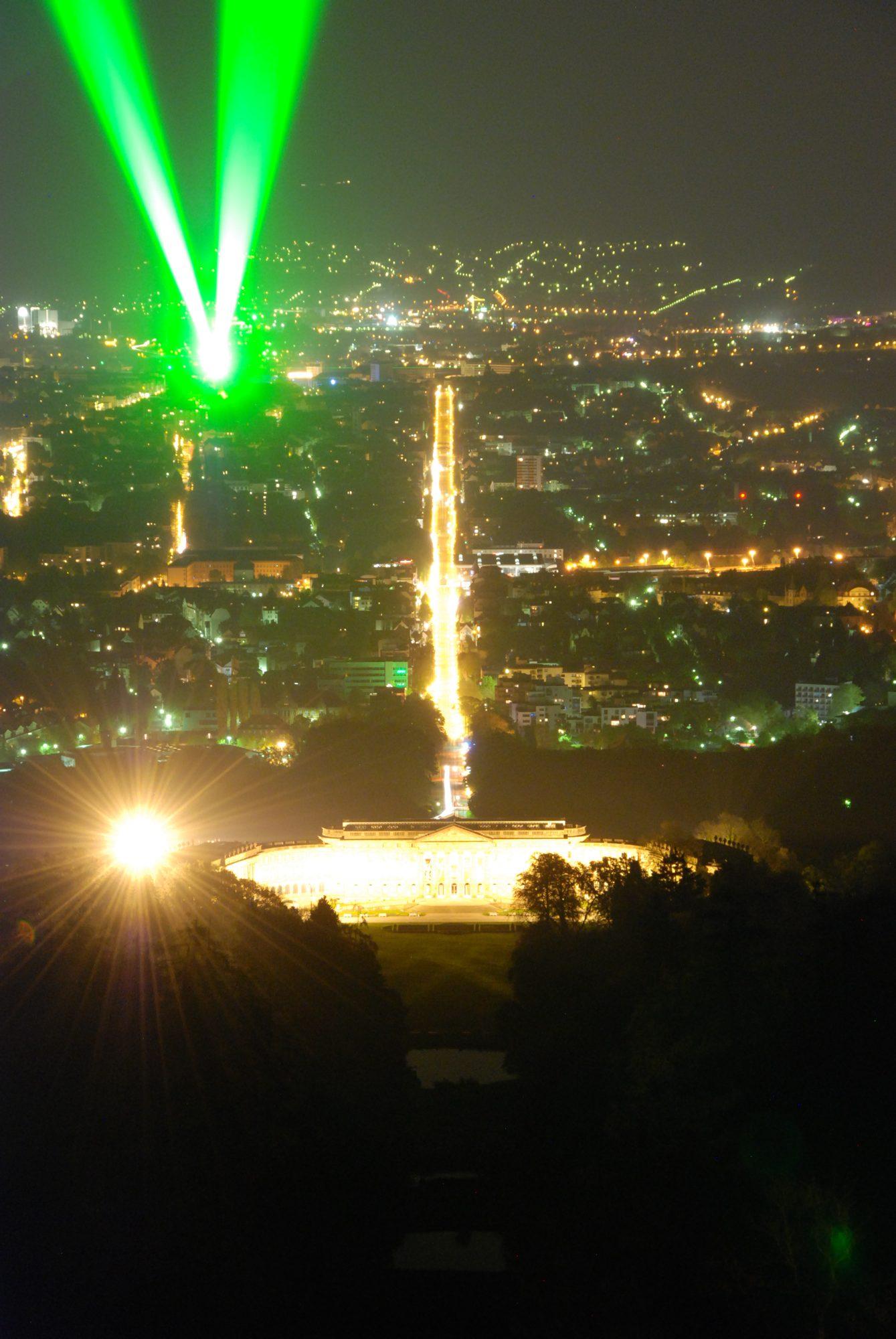 April 2011 - Nachtaufnahmen vom Herkules in Kassel. Laserscape auf den Herkules.