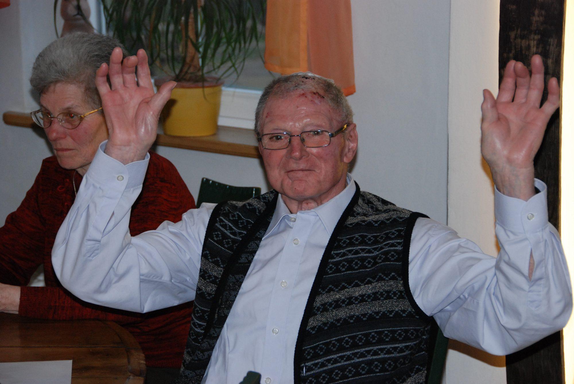 Opi während seiner Geburtstagsfeier im Weingut Schmidt in Heitersheim