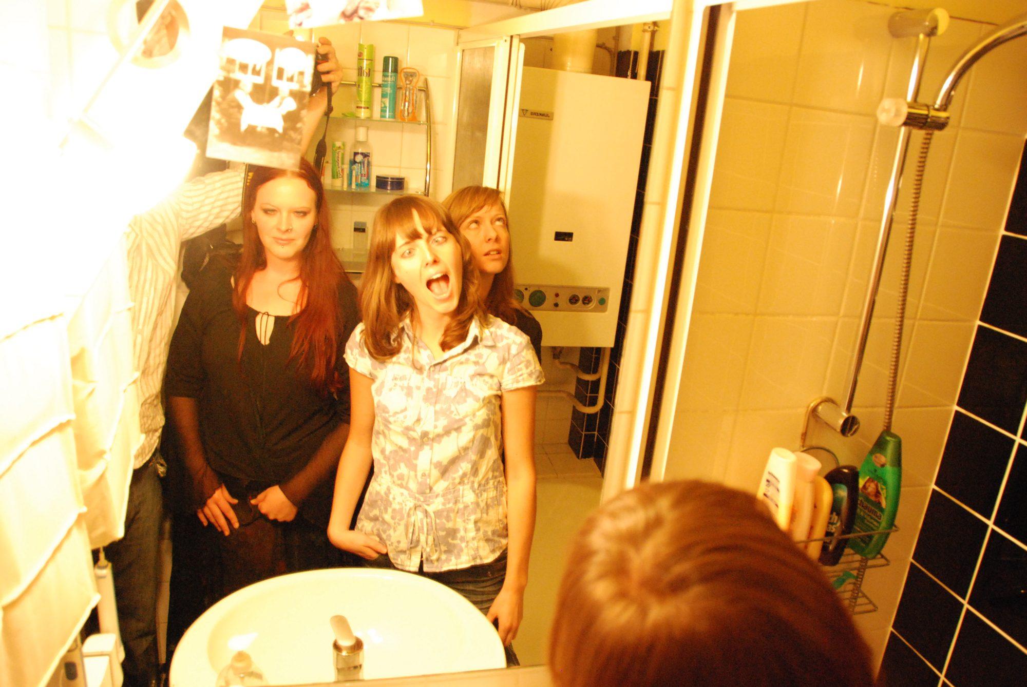 2008 - Houseparty
