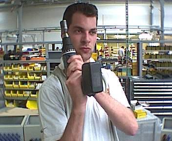 2001 - 007 Action in den Produktionshallen der Firma STAHL.