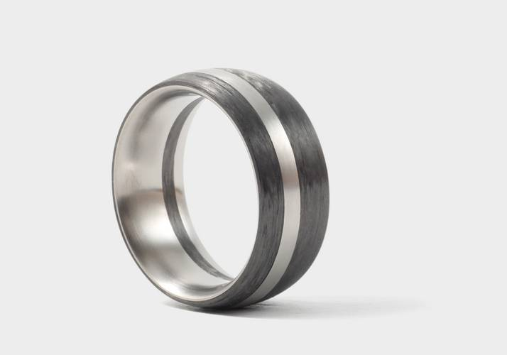 Carbon-Titan Ring der Firma Locher in Bern