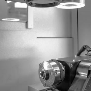 Prozess Lasergravur eines Siegelringes.