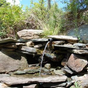 Quelle während der Wanderung Richtung Monte Stello